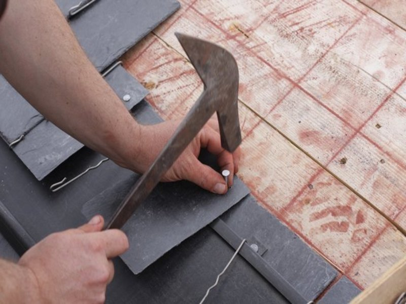 Slate-and-Tile-Roofs-Feature